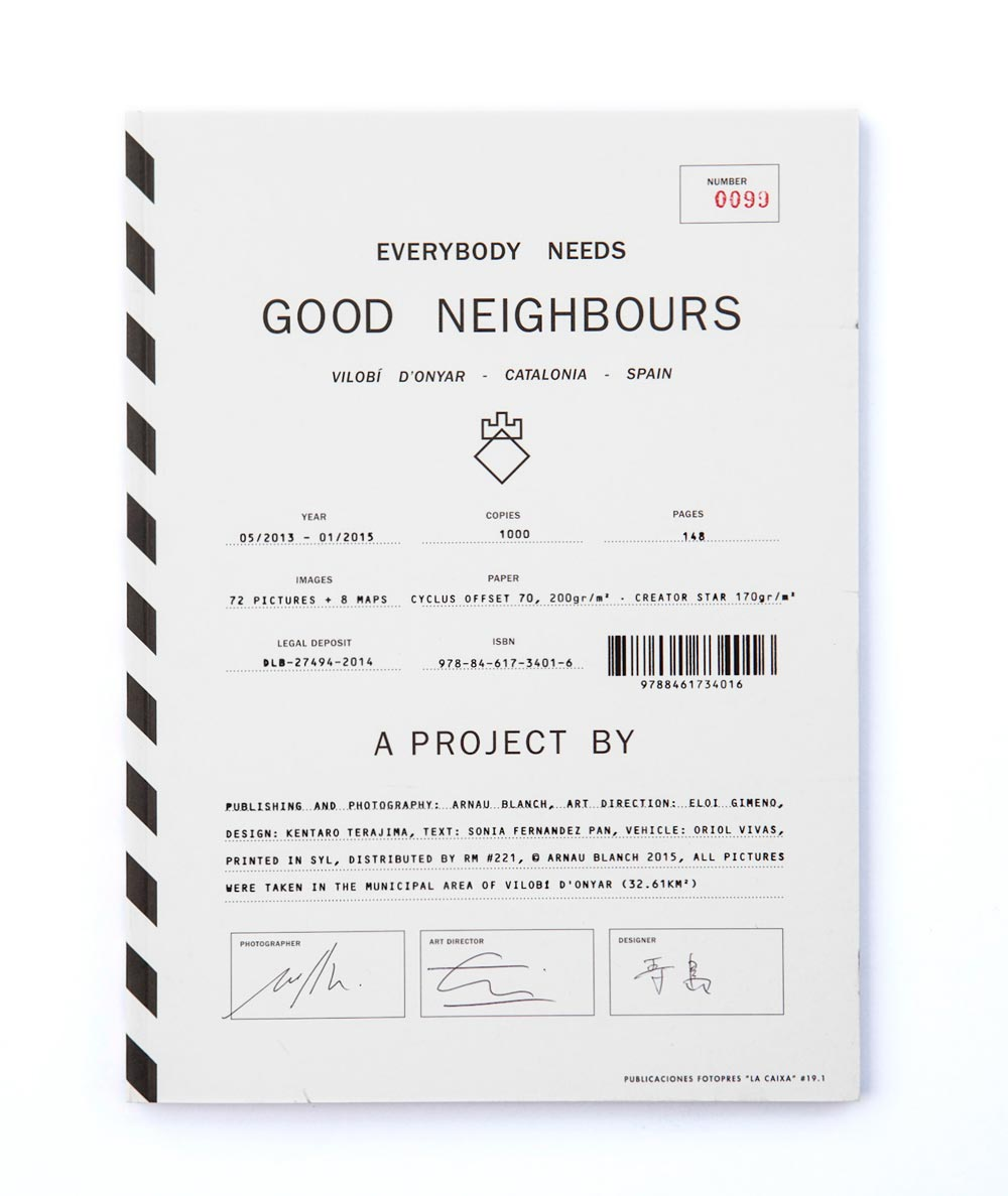 Everybody-Needs-Good-Neighbours-fotografia-de-Arnau-Blanch,