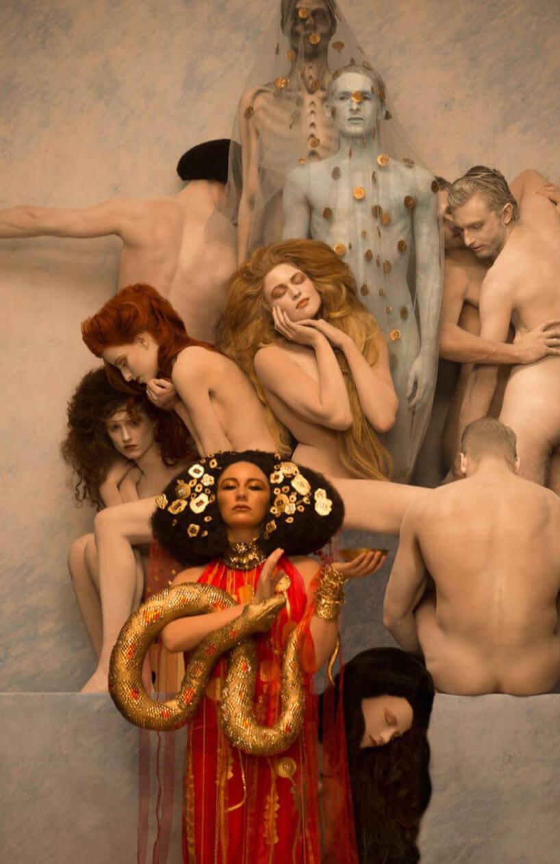 inge-prader-life-ball-gustav-klimt-paintings-7