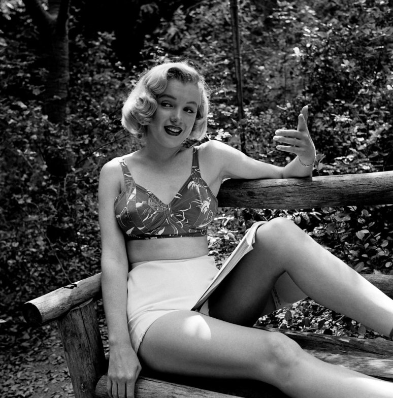 Marilyn monroe-unpublished-oldskull-4