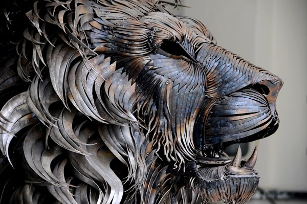 metal-lion-sculpture-oldskull-1