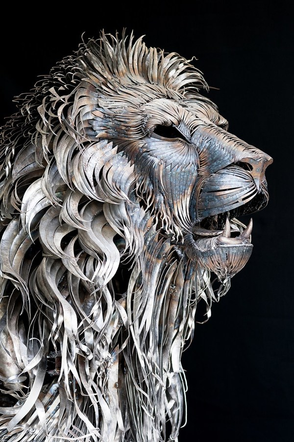 metal-lion-sculpture-oldskull-5