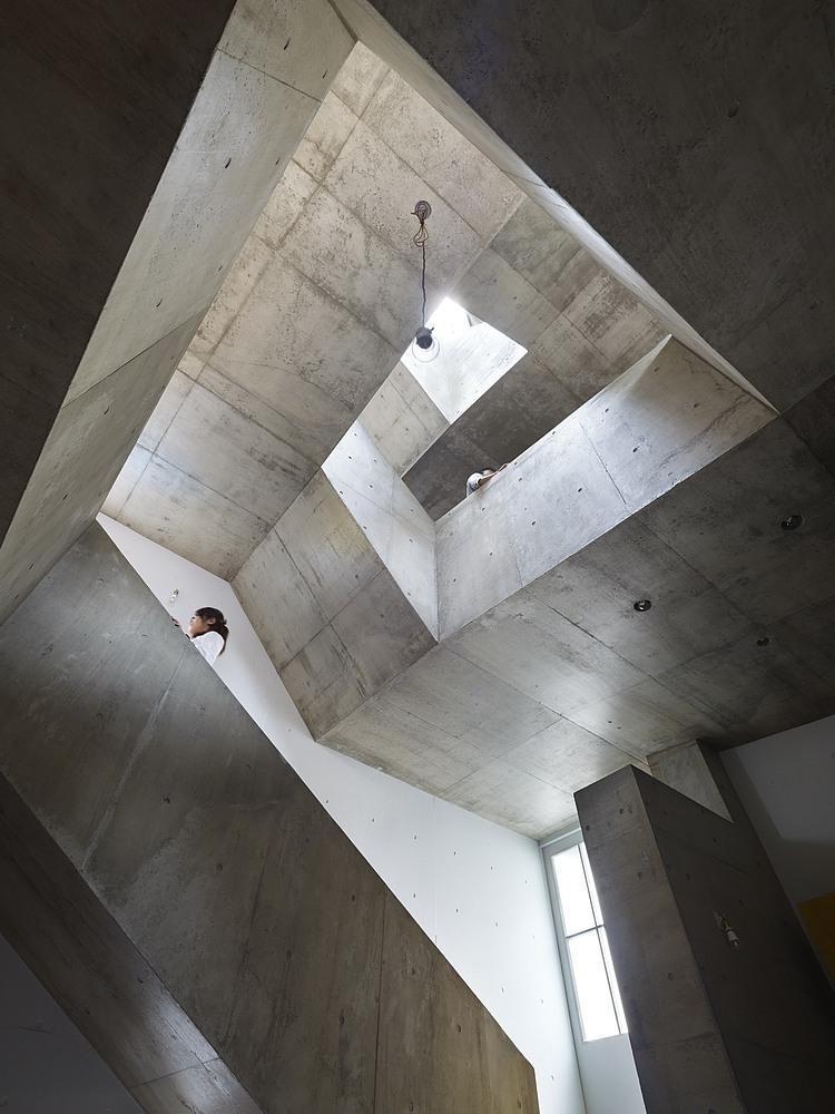 nishiochiai-arquitectura-escalera-3