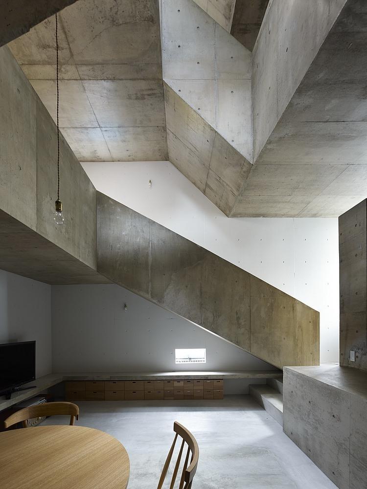 nishiochiai-arquitectura-escalera-6