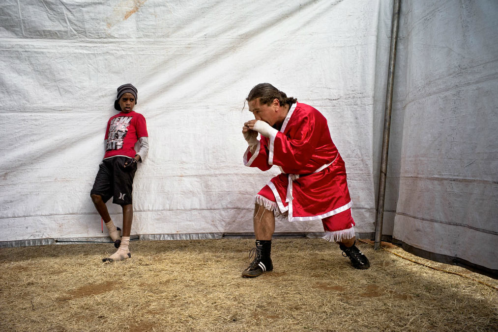 Circus-Tent-Boxers-photography-12