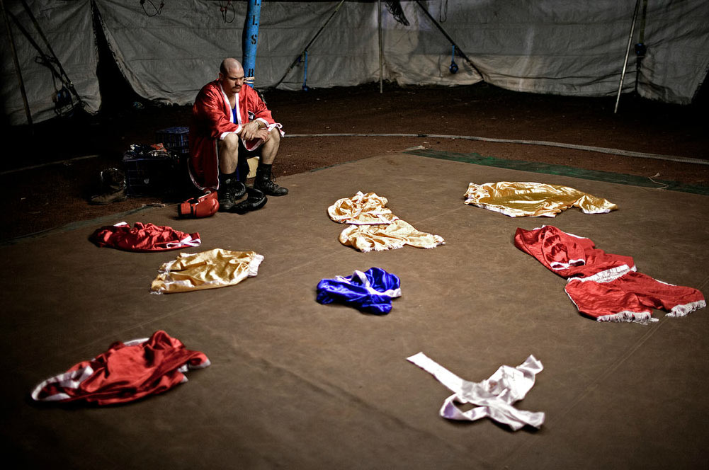 Circus-Tent-Boxers-photography-19