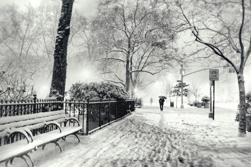 New York City - Snow - Winter Night in Midtown