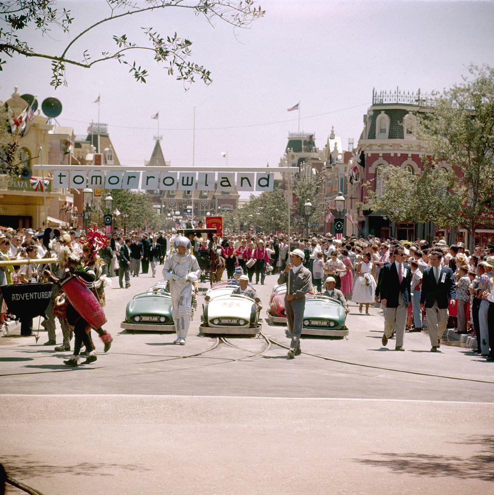 Disneyland photography in 1955 (15)