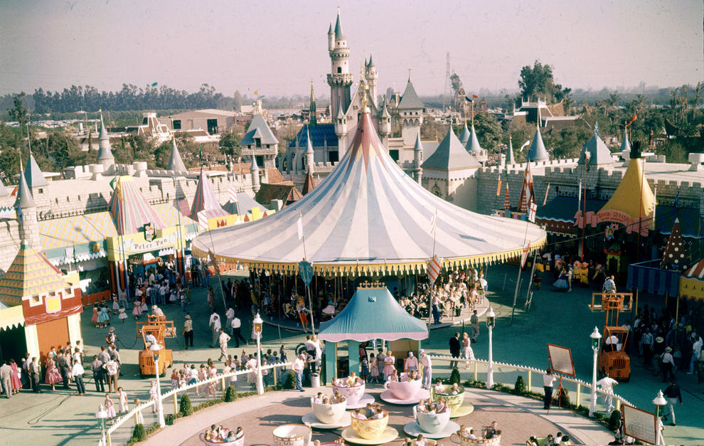 Disneyland photography in 1955 (8)