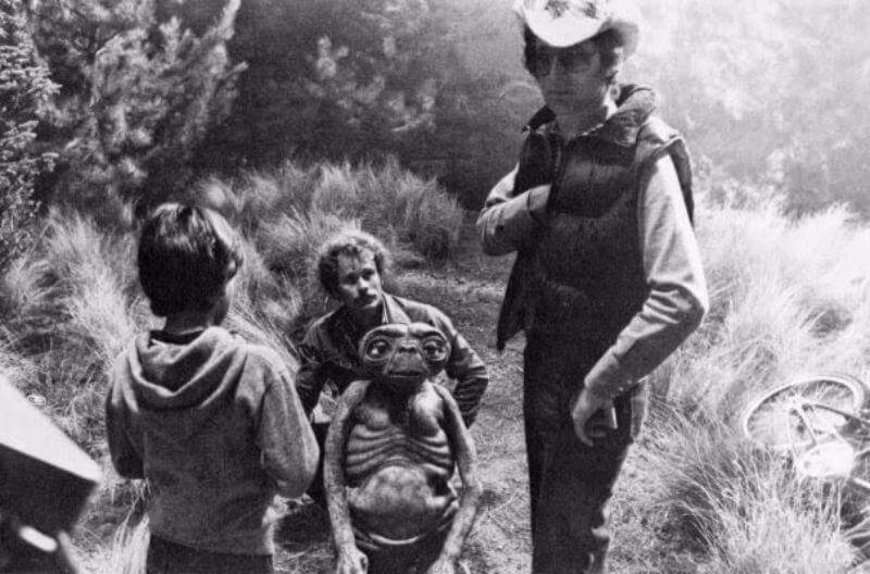 et-the-extra-terrestrial-behind-the-scenes-photo-OLDSKULL-7
